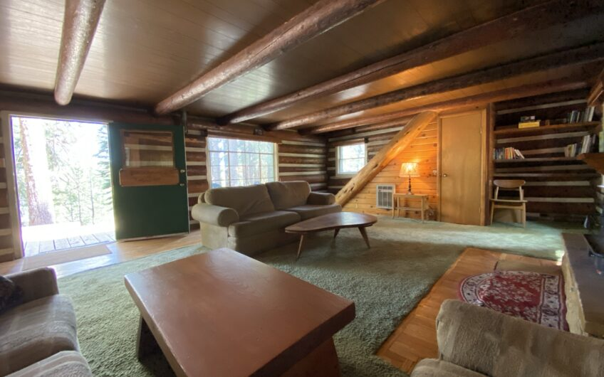 Stunning Classic High Country Log Cabin