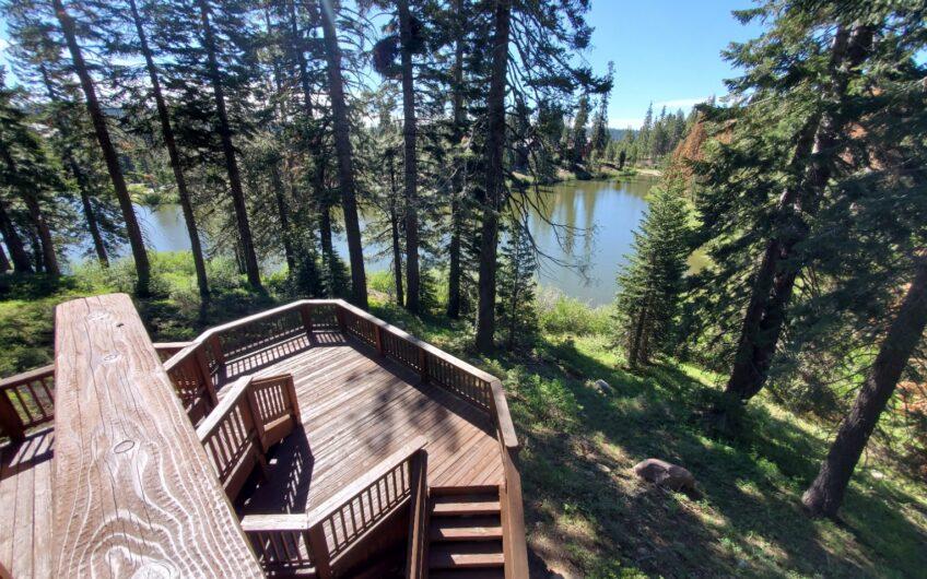 Lake Front on private Cul De Sac